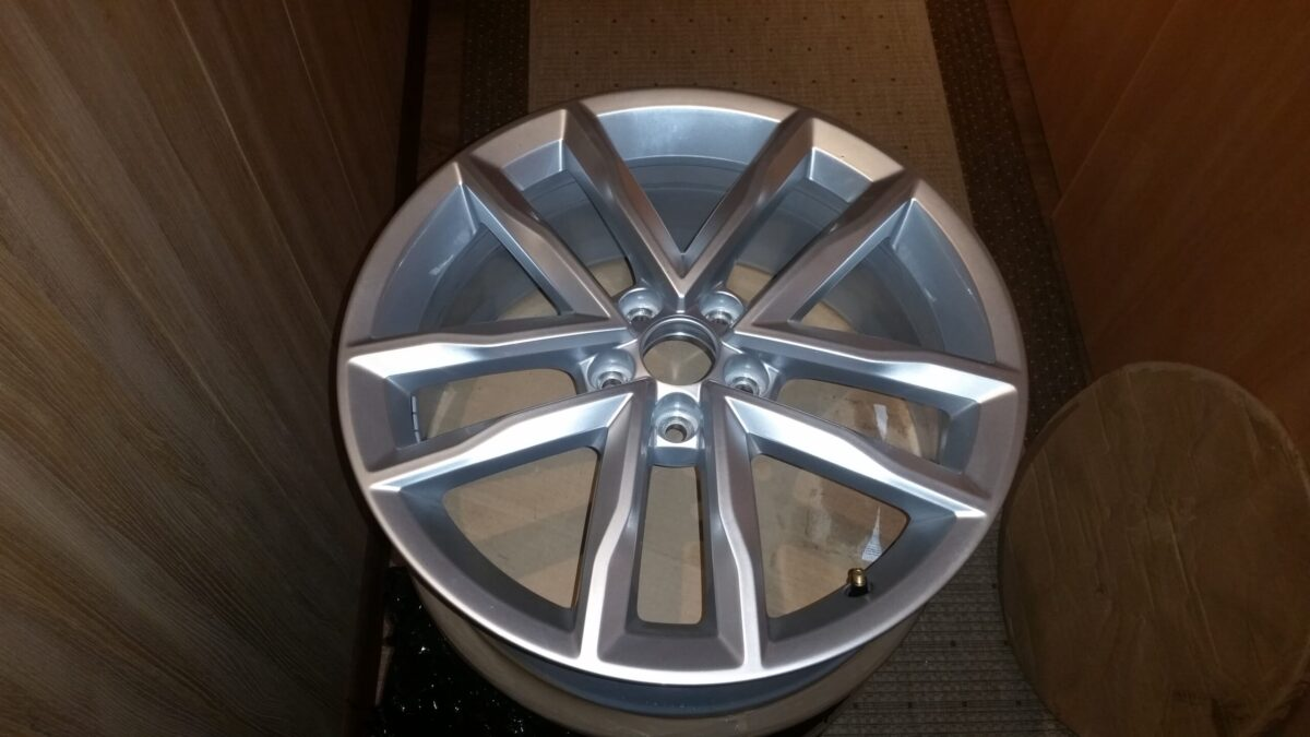 17-inch Mirabeau alloy wheels from Polo 6C OEM - teaser | 2015 11 17 20.08.16 scaled
