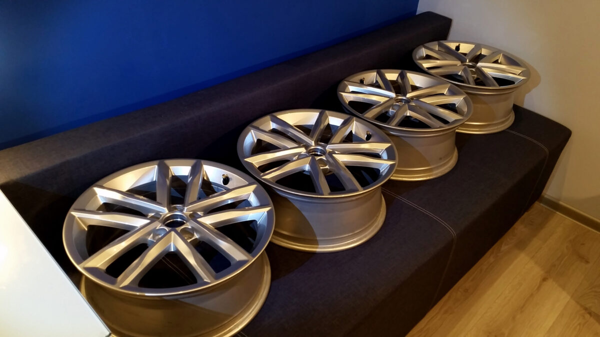 17-inch Mirabeau alloy wheels from Polo 6C OEM - teaser | 2015 11 17 23.42 scaled