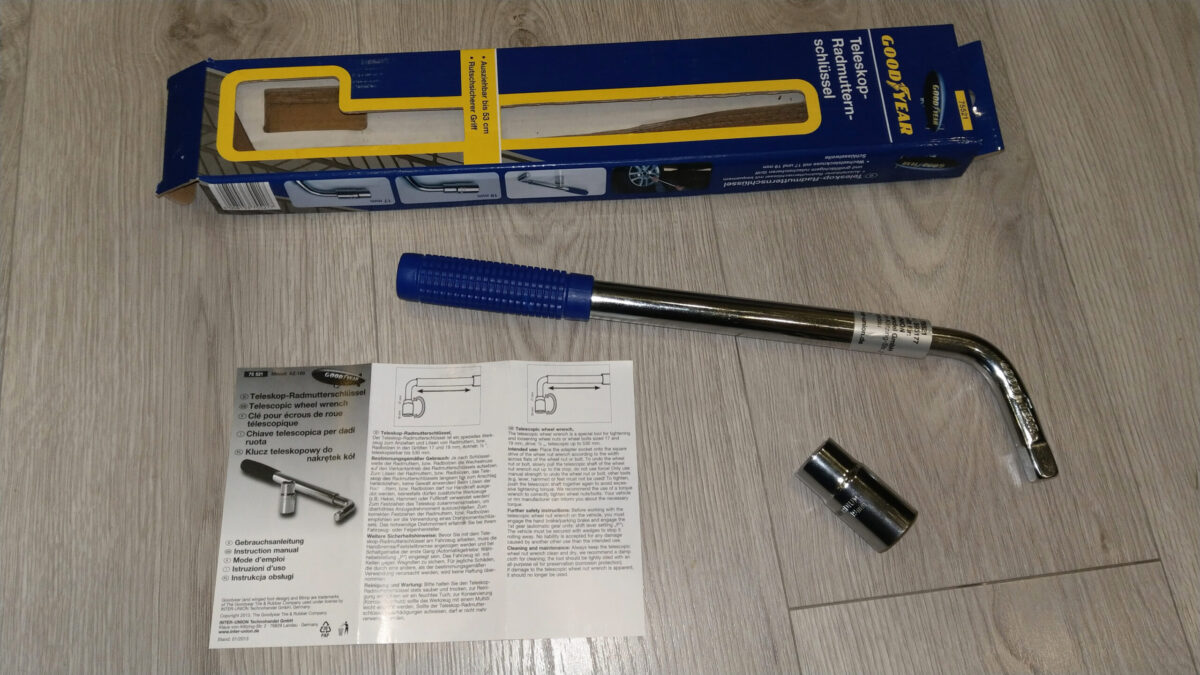 Goodyear 75521 Wheel Wrench 17/19 mm + Goodyear 75522 Torque wrench 42-210 Nm   IMAG8999 ps scaled